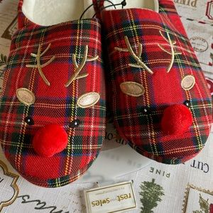 Rest Your Soles Shoes Adorable Reindeer Slippers Poshmark